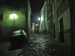 La villa adentro, por la noche
