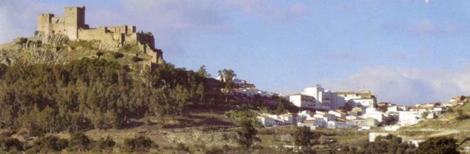 Ladera sur de la sierra que da a la carretera de Badajoz