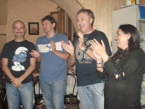 Urbano, Txapela, Manu y Mariola al finalizar la sesión agradeciendo al público su presencia
