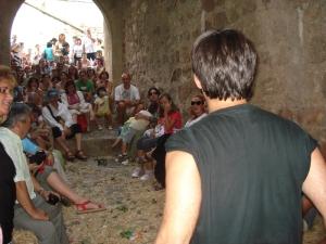 Nacho durante su intervención en la puerta de Valencia.
