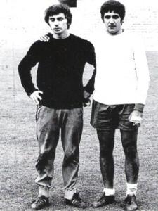 El entonces portero suplente Miguél Ángel y el centrocampista Zunzunegui, integrantes de aquel equipo